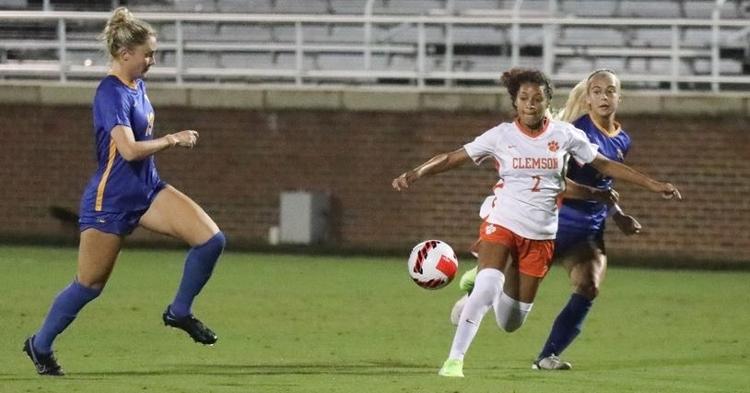 Clemson with a home win against Pitt (Photo via Clemson Women's Soccer Twitter)