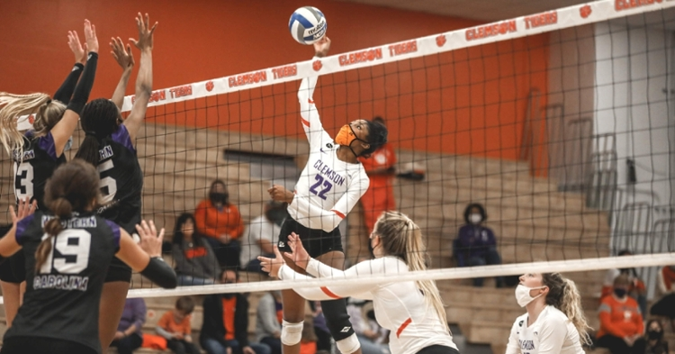 Solei Thomas had her first career double-double with 16 kills and 18 digs in second win (Photo: Clemson athletics)